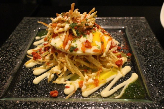 Huevos Cabreados: Fried eggs, shoestring potatoes, crispy chorizo, alioli - SARAP!!!