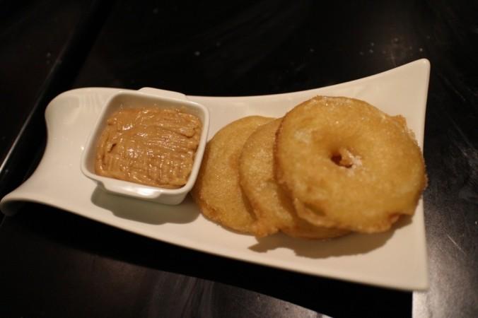 Apple Bunuelos: regular apple fritters with speculoos dip